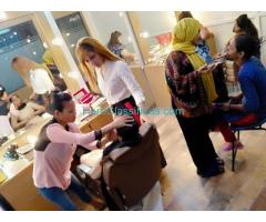 Get the Best Beautician Course Certificate in New Delhi